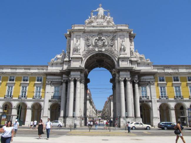 The Praça do Comércio in Lisbon. Copyright by Gawain Lynch